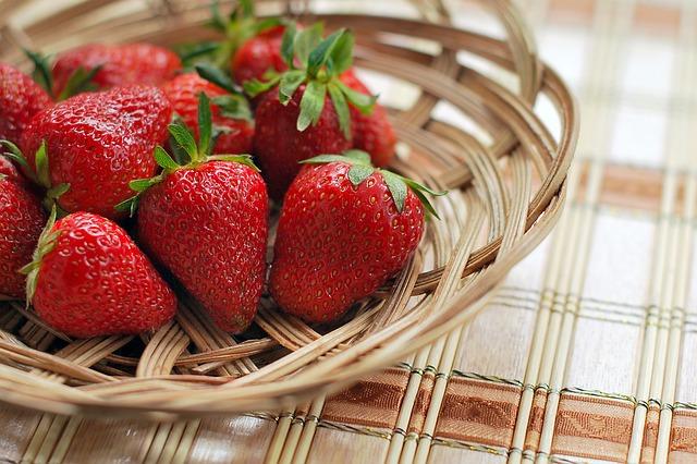 strawberry-1180048_640
