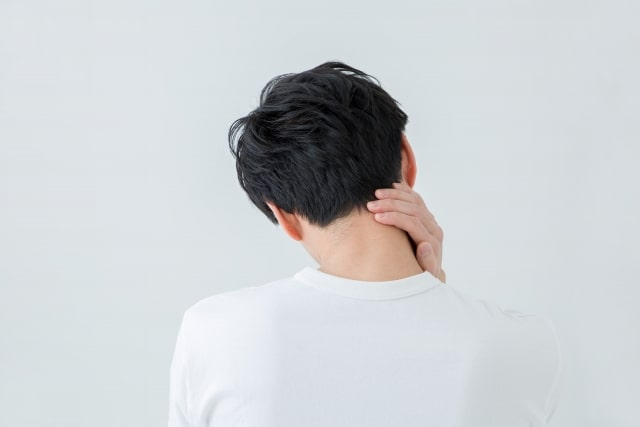 男性不妊に悩む男性イメージ画像